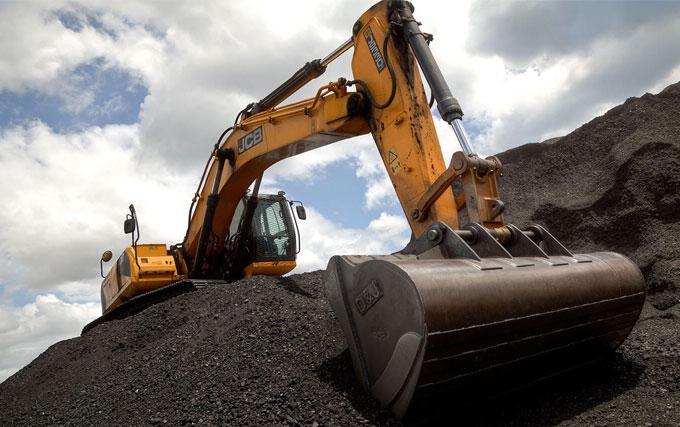 JCB JS330 lcme Coal Rehandling